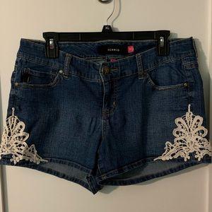 Torrid Embroidered Dark-Wash Denim Shorts, Size 12